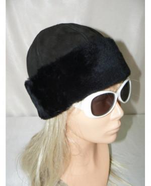 Kožešinová čepice s vlasem...