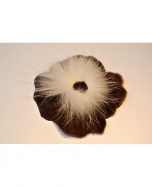 Kožešinová aplikace - květ